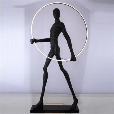 Торшер Man carries light circle - фото 31638