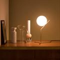 IC  Flos  1  настольная лампа в интерьере