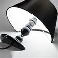 Лампа настольная Titanic черная погружена в стол