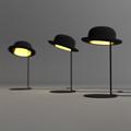 Лампа настольная в виде черного котелка