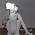 Seletti  Настольная лампа макака с лампочкой
