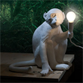 Seletti Monkey Настольная лампа Обезьяна в интерьере